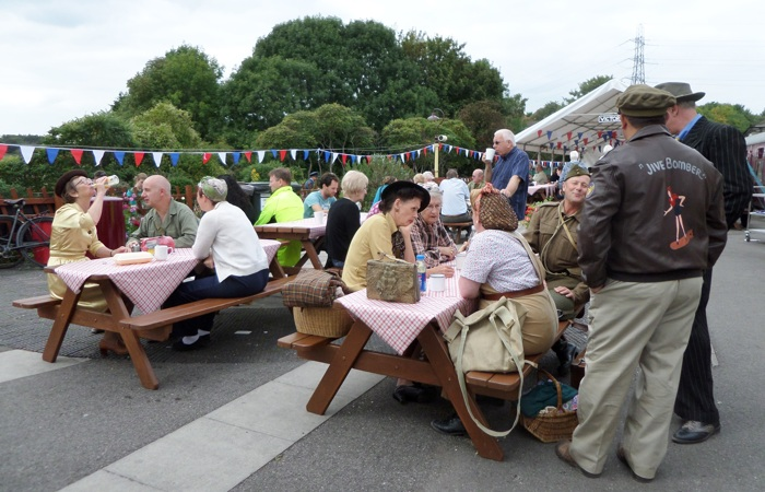 photoblog image 1940's Day, Bitton Station (2)